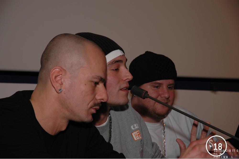 Incontro con i Club Dogo, gruppo musicale rap italiano